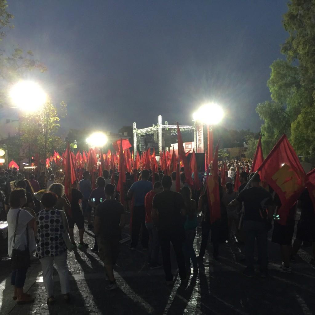 Comício da juventude comunista grega