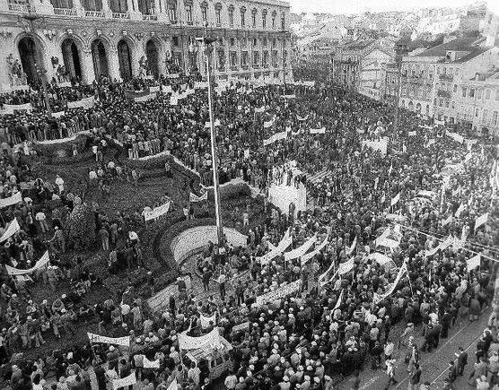 Cerco_Assembleia_Constituinte_1975